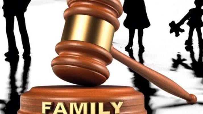Separazione trasferimento residenza: Il trasferimento della madre determina la perdita della responsabilità genitoriale?