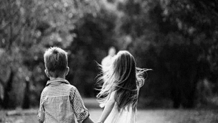 Separazione fratelli insieme: Nella separazione deve prevalere l'interesse dei fratelli a restare uniti.
