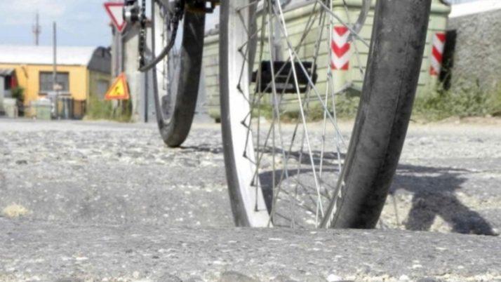 Buche stradali prova: Per il risarcimento occorre provare il nesso causale.