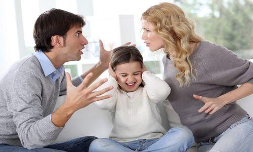 Affidamento dei figli denigrazione: no se i genitori si denigrano a vicenda!